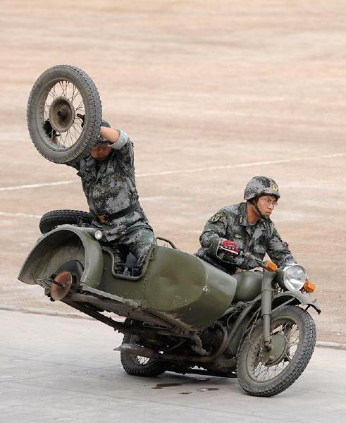 third-wheel-motorcycle.jpg